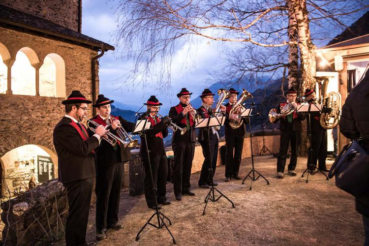 Traditional music at the Castle Advent